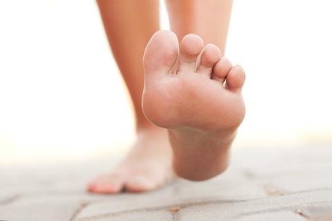 feet-walking-1200x800